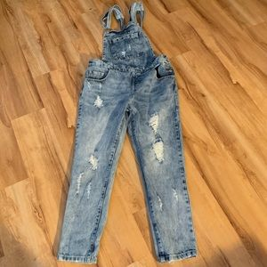 Forever 21 distressed overalls- medium